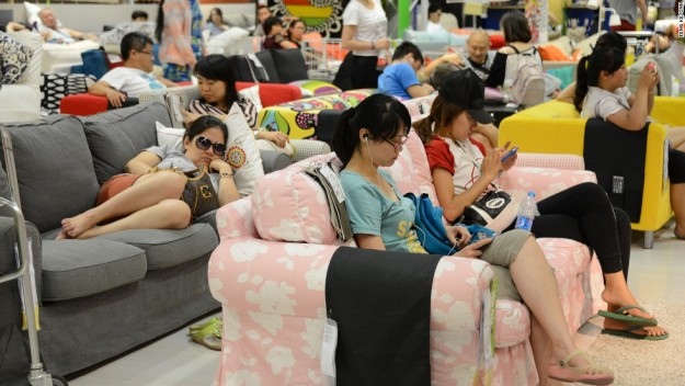 Many parts of China faces record high temperature this year, citizens in Beijing chose to spend their daytime in IKEA.